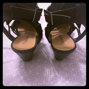 Cityclassified Shoes - Black strappy sandals